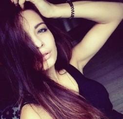 Dziewczyna Yvette Mirsk